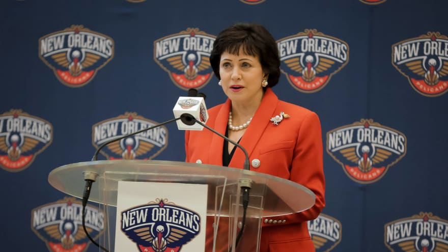 Pelicans owner denies report about Anthony Davis trade with Lakers