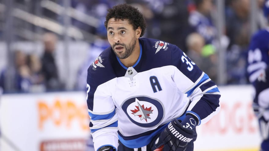 Dustin Byfuglien reportedly 'using the time to ponder his NHL future'
