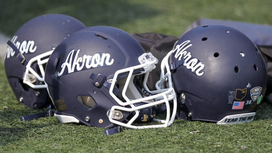 Watch: Akron with a zero-yard punt against Eastern Michigan