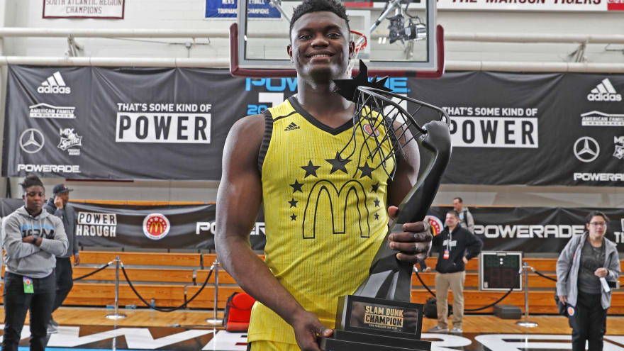 918a924628c4 Watch  Duke recruit Zion Williamson dunks from free-throw line ...
