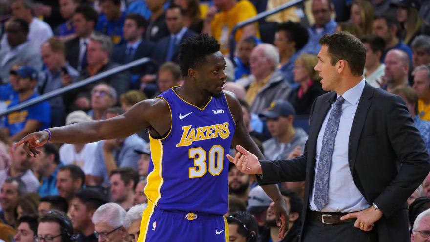 Julius Randle shades Luke Walton, Lakers
