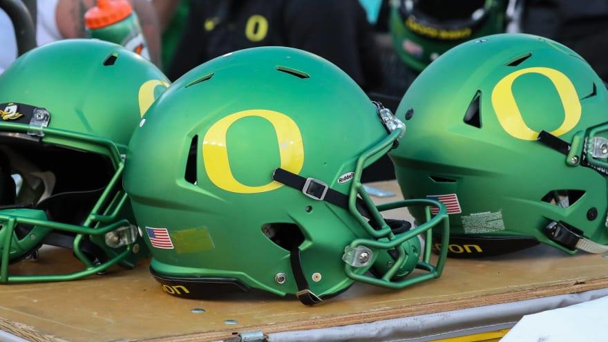 The 50 best helmets in college football | Yardbarker