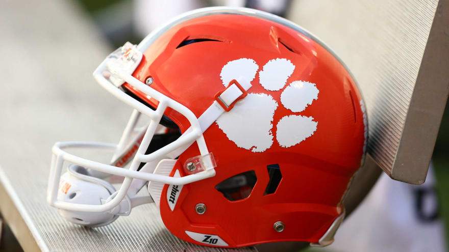 Watch: Clemson's Andrew Booth Jr. ejected for punching opponent