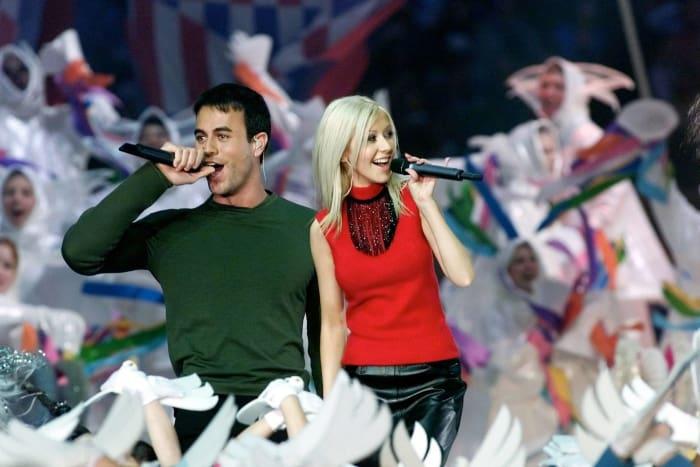 Super Bowl XXXIV halftime show - Christina Aguilera and Enrique Iglesias