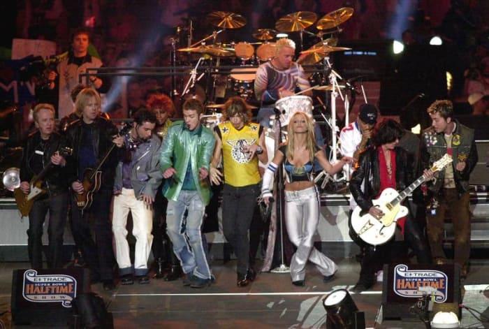 Super Bowl XXXV halftime show - Aerosmith