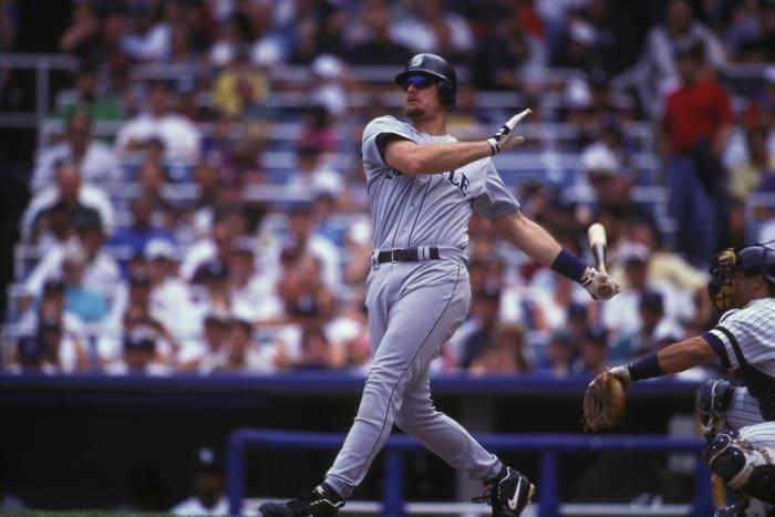 1988: los Yankees cambian a Jay Buhner por Ken Phelps por los Marineros
