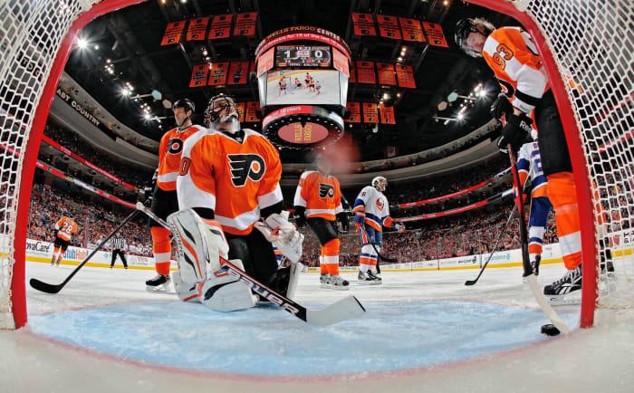 Paul Holmgren breaks up the Flyers for Ilya Bryzgalov
