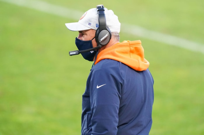 Vic Fangio should keep job, but Broncos still trapped