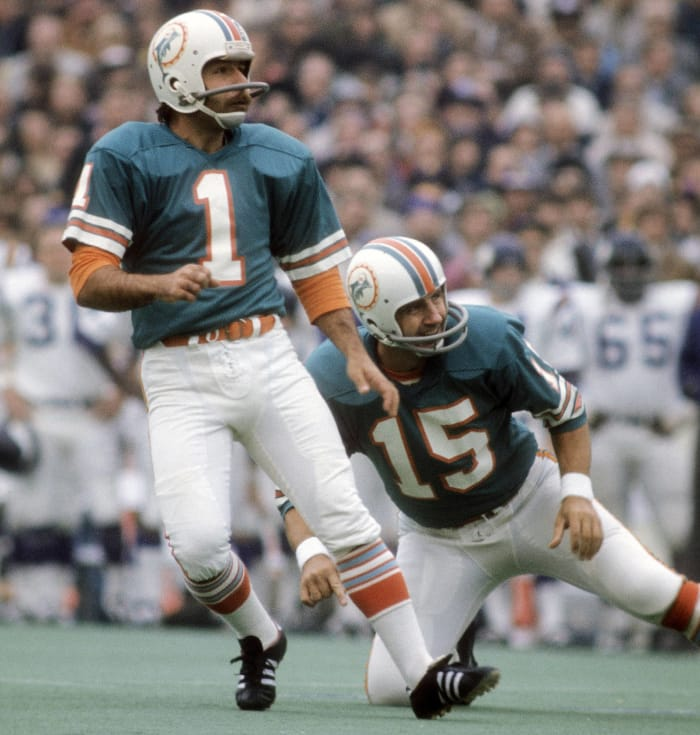 Earl Morrall, Age 39: Super Bowl VIII